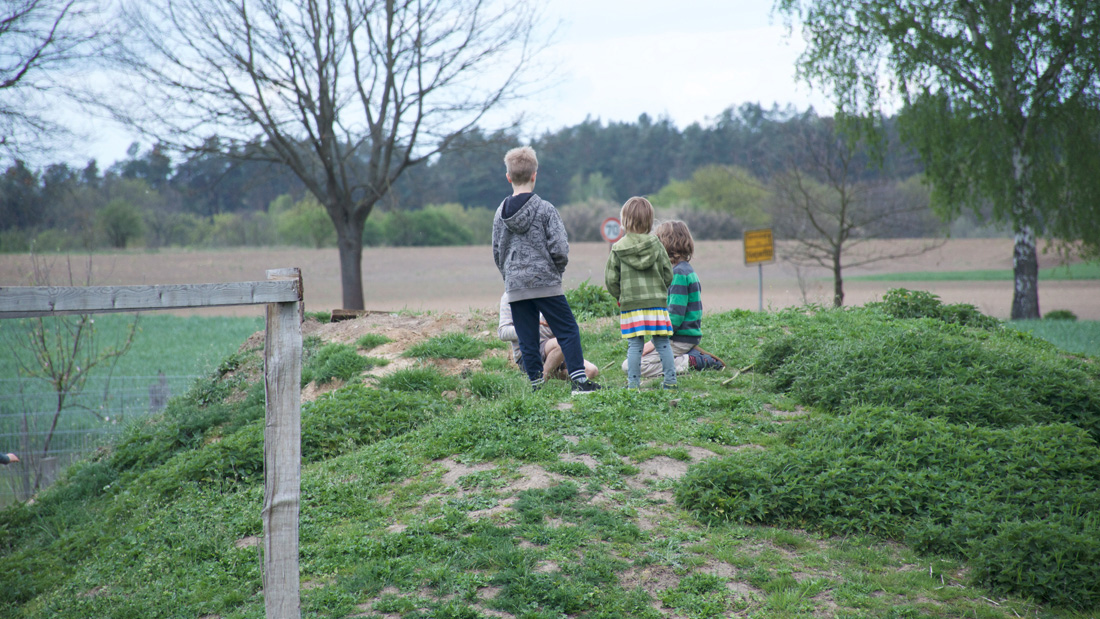 Die Kinder haben den Tag im Garten genossen und ließen den Nachmittag ausklingen